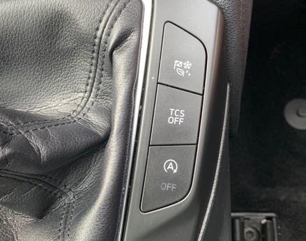 Ford Focus TITANIUM 38