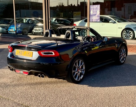 Abarth 124 Spider SPIDER MULTIAIR 8