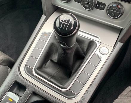 Volkswagen Passat SE BUSINESS TDI 39