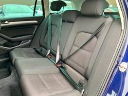 Volkswagen Passat SE BUSINESS TDI 52