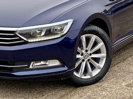 Volkswagen Passat SE BUSINESS TDI 3