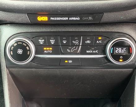 Ford Fiesta TITANIUM 29