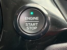 Ford Fiesta TITANIUM 32