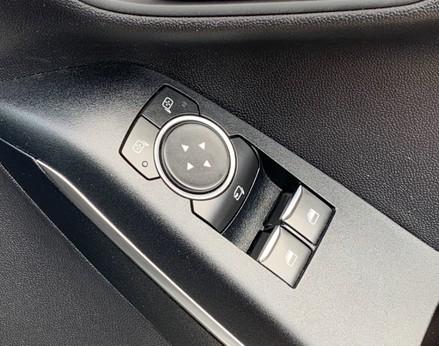 Ford Fiesta TITANIUM 38