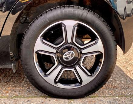 Toyota Aygo VVT-I X-CLUSIV X-SHIFT 14