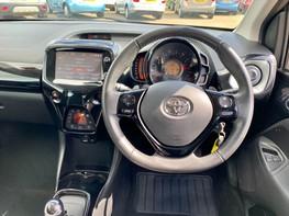 Toyota Aygo VVT-I X-CLUSIV X-SHIFT 18