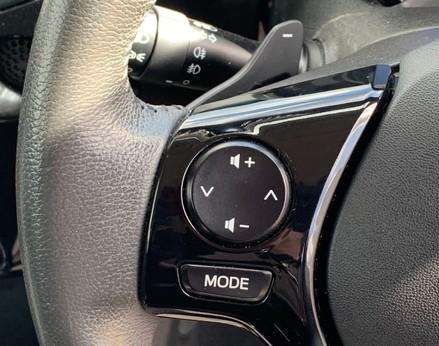 Toyota Aygo VVT-I X-CLUSIV X-SHIFT 32