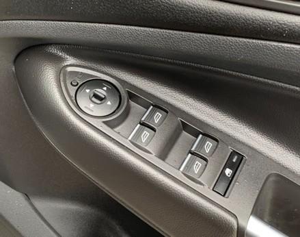 Ford Kuga TITANIUM TDCI 44