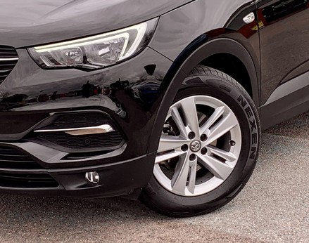 Vauxhall Grandland X SE S/S 3