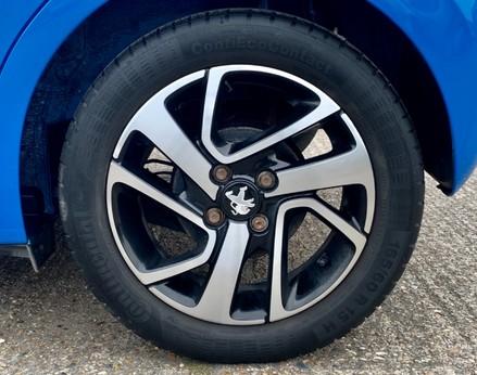 Peugeot 108 PURETECH ALLURE 14