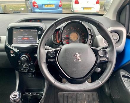 Peugeot 108 PURETECH ALLURE 18