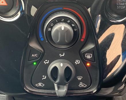 Peugeot 108 PURETECH ALLURE 28