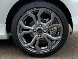Ford Fiesta ST-LINE 14