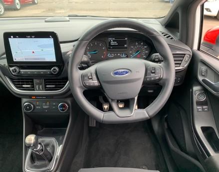 Ford Fiesta ST-LINE 18
