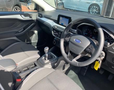 Ford Focus ZETEC 17