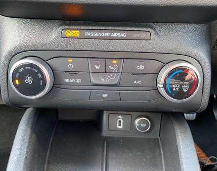 Ford Focus ZETEC 36