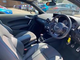 Audi A1 S1 QUATTRO 16