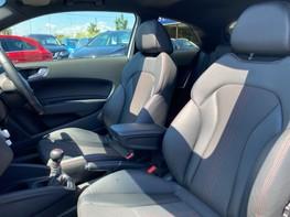 Audi A1 S1 QUATTRO 45