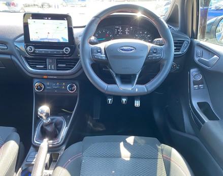 Ford Fiesta ST-LINE 16