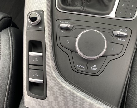 Audi A5 TFSI SPORT 40