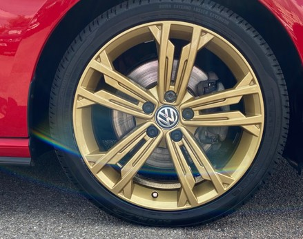 Volkswagen Golf GTD TDI DSG 13