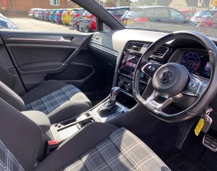 Volkswagen Golf GTD TDI DSG 17