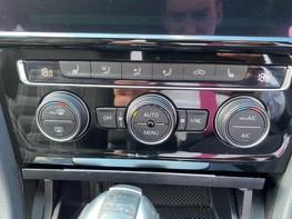 Volkswagen Golf GTD TDI DSG 30