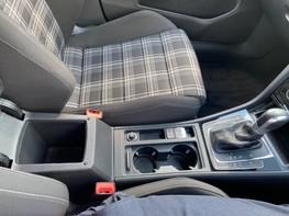 Volkswagen Golf GTD TDI DSG 35