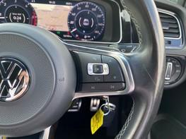 Volkswagen Golf GTD TDI DSG 37