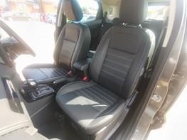 Ford Ecosport TITANIUM 18