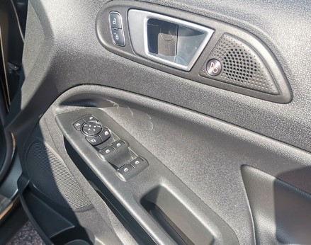 Ford Ecosport TITANIUM 31