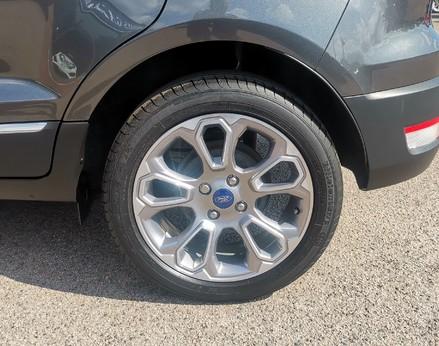 Ford Ecosport TITANIUM 12