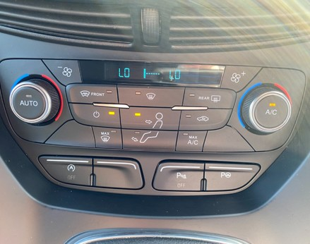 Ford Kuga ST-LINE TDCI 32