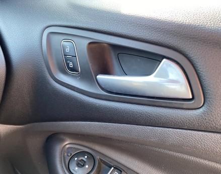 Ford Kuga ST-LINE TDCI 46