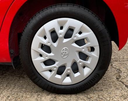 Toyota Aygo VVT-I X-PLAY 14