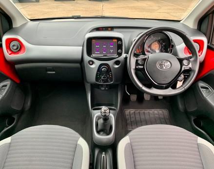 Toyota Aygo VVT-I X-PLAY 2