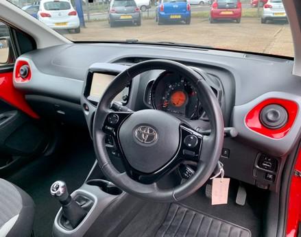 Toyota Aygo VVT-I X-PLAY 17