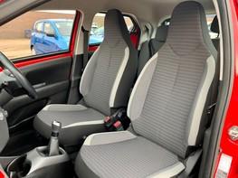 Toyota Aygo VVT-I X-PLAY 39