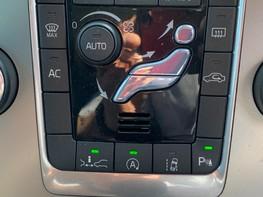 Volvo V70 D4 SE LUX 34