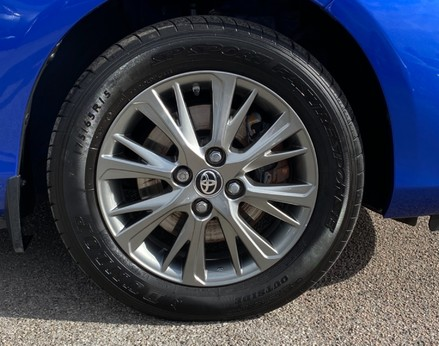 Toyota Yaris VVT-I ICON TECH 13