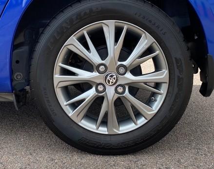 Toyota Yaris VVT-I ICON TECH 14