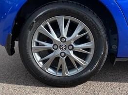 Toyota Yaris VVT-I ICON TECH 15
