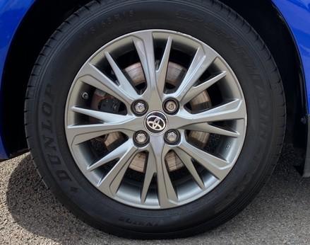 Toyota Yaris VVT-I ICON TECH 16