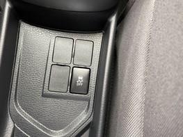 Toyota Yaris VVT-I ICON TECH 34
