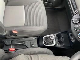 Toyota Yaris VVT-I ICON TECH 35
