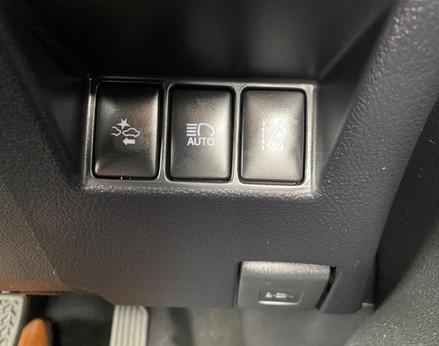 Toyota Yaris VVT-I ICON TECH 42