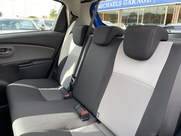 Toyota Yaris VVT-I ICON TECH 46