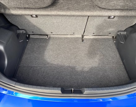 Toyota Yaris VVT-I ICON TECH 48